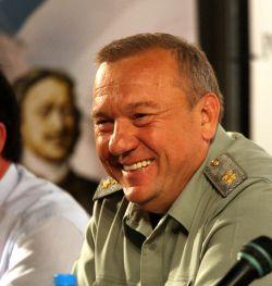 командующий ВДВ, Герой России генерал-лейтенант Владимир Шаманов