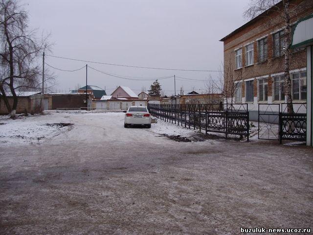 Chevrolet гос № т 008 вс 56 директор школы Елисеева Татьяна Николаевна и даже целый депутат городского Совета г. Бузулука